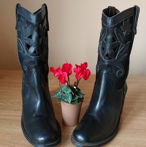 Matisse Leather Cutout Cowboy style boots 8M